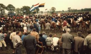 1983 25 jaar.  Smalle Steeg op het land van Jan Albers